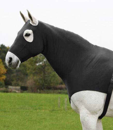 Kukla s vestou pro koně pod deku - černá